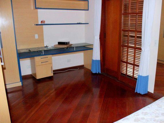 """Sobrado com 4 dormitórios à venda, 311 m² por <span itemscope="""""""" itemtype=""""http://schema.org/TradeAction""""><span itemprop=""""price"""">R$ 2.600.000</span></span>- <span itemprop=""""addressLocality"""">Dos Casa</span> - São Bernardo do Campo/SP"""