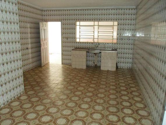 """Casa com 3 dormitórios para alugar, 80 m² por <span itemscope="""""""" itemtype=""""http://schema.org/TradeAction""""><span itemprop=""""price"""">R$ 1.200</span></span>/mês - <span itemprop=""""addressLocality"""">São Mateus</span> - São Paulo/SP"""