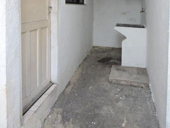 """Casa com 1 dormitório para alugar, 80 m² por <span itemscope="""""""" itemtype=""""http://schema.org/TradeAction""""><span itemprop=""""price"""">R$ 1.000</span></span>- Vila Sacadura Cabral - <span itemprop=""""addressLocality"""">Santo André</span>/SP"""