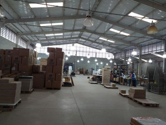 """Galpão à venda, 1600 m² por <span itemscope="""""""" itemtype=""""http://schema.org/TradeAction""""><span itemprop=""""price"""">R$ 3.500.000</span></span>- <span itemprop=""""addressLocality"""">Jardim do Rio Cotia</span> - Cotia/SP"""