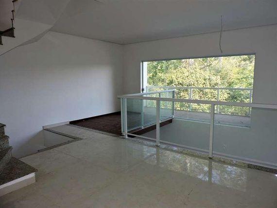"Casa com 4 dormitórios à venda, 206 m² por <span itemscope="""" itemtype=""http://schema.org/TradeAction""><span itemprop=""price"">R$ 869.000</span></span>- Chácara do Refúgio - <span itemprop=""addressLocality"">Carapicuíba</span>/SP, Granja Viana"