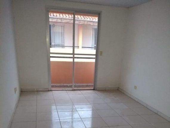 """Apartamento com 3 dormitórios à venda, 84 m² por <span itemscope="""""""" itemtype=""""http://schema.org/TradeAction""""><span itemprop=""""price"""">R$ 198.000</span></span>- <span itemprop=""""addressLocality"""">Cidade Morumbi</span> - São José dos Campos/SP"""