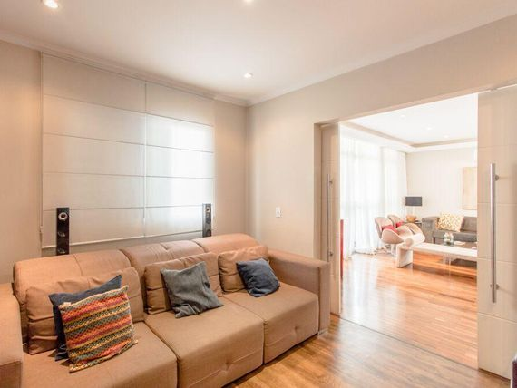 """Apartamento raro com 4 dormitórios à venda, 182 m² por <span itemscope="""""""" itemtype=""""http://schema.org/TradeAction""""><span itemprop=""""price"""">R$ 1.900.000</span></span>- <span itemprop=""""addressLocality"""">Itaim Bibi</span> - São Paulo/SP"""