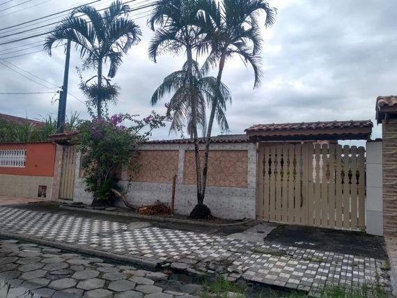 """Linda casa com 03 dormitórios no Flórida Mirim em <span itemprop=""""addressLocality"""">Mongaguá</span>"""