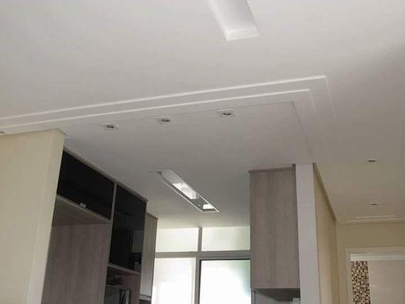 Acabamento fino, todo decorado com moveis planejado, rebaixamento de teto, iluminação em led, sanca iluminada, bancada de granito, aquecimento nas tor