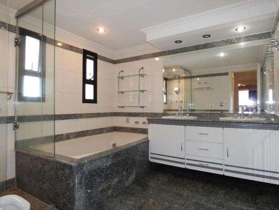 """Apartamento com 3 dormitórios para alugar, 277 m² por <span itemscope="""""""" itemtype=""""http://schema.org/TradeAction""""><span itemprop=""""price"""">R$ 7.000</span></span>/mês - <span itemprop=""""addressLocality"""">Moema</span> Pássaros - São Paulo/SP"""