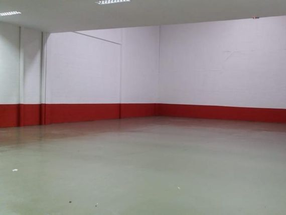 "Galpão para alugar, 552 m² por <span itemscope="""" itemtype=""http://schema.org/TradeAction""><span itemprop=""price"">R$ 12.000</span></span>/mês - Utinga - <span itemprop=""addressLocality"">Santo André</span>/SP"