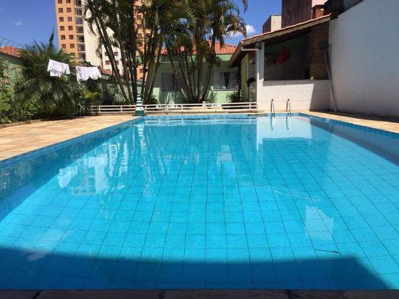 """Casa com 3 dormitórios à venda, 220 m² por <span itemscope="""""""" itemtype=""""http://schema.org/TradeAction""""><span itemprop=""""price"""">R$ 1.300.000</span></span>- <span itemprop=""""addressLocality"""">Vila Carmosina</span> - São Paulo/SP"""