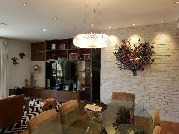 Apartamento á venda no bairro da Pompéia com 119 m² de área útil.