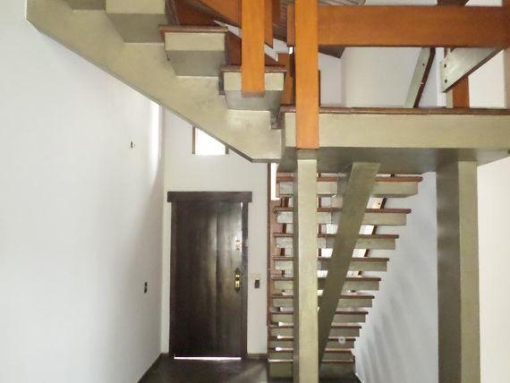 """Sobrado com 3 dormitórios para alugar, 292 m² por <span itemscope="""""""" itemtype=""""http://schema.org/TradeAction""""><span itemprop=""""price"""">R$ 4.000</span></span>/mês - <span itemprop=""""addressLocality"""">Jardim Eltonville</span> - Sorocaba/SP"""