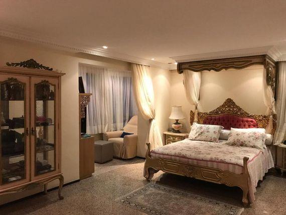 """Apartamento com 3 dormitórios à venda, 240 m² por <span itemscope="""""""" itemtype=""""http://schema.org/TradeAction""""><span itemprop=""""price"""">R$ 2.300.000</span></span>- <span itemprop=""""addressLocality"""">Meireles</span> - Fortaleza/CE"""