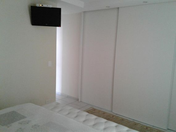 "Casa com 3 dormitórios à venda, 250 m² por <span itemscope="""" itemtype=""http://schema.org/TradeAction""><span itemprop=""price"">R$ 900.000</span></span>- Granja Viana - <span itemprop=""addressLocality"">Cotia</span>/SP"