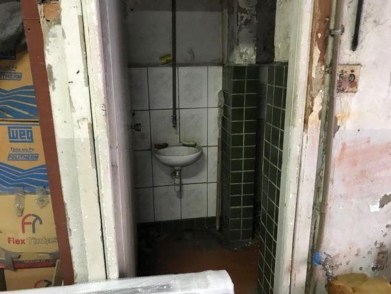 """Galpão para alugar, 400 m² por <span itemscope="""""""" itemtype=""""http://schema.org/TradeAction""""><span itemprop=""""price"""">R$ 1.080.000</span></span>/mês - <span itemprop=""""addressLocality"""">Cambuci</span> - São Paulo/SP"""