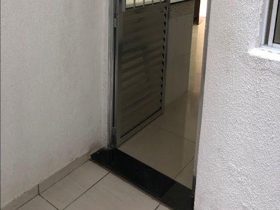"""Sobrado com 2 dormitórios para alugar, 120 m² por <span itemscope="""""""" itemtype=""""http://schema.org/TradeAction""""><span itemprop=""""price"""">R$ 1.450</span></span>/mês - <span itemprop=""""addressLocality"""">Vila Esperança</span> - São Paulo/SP"""