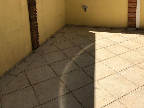 """Sobrado com 3 dormitórios à venda, 233 m² por <span itemscope="""""""" itemtype=""""http://schema.org/TradeAction""""><span itemprop=""""price"""">R$ 1.300.000</span></span>- <span itemprop=""""addressLocality"""">Centro</span> - São Bernardo do Campo/SP"""