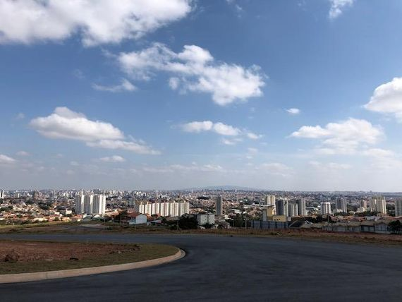 "Terreno à venda, 300 m² por <span itemscope="""" itemtype=""http://schema.org/TradeAction""><span itemprop=""price"">R$ 215.000</span></span>- <span itemprop=""addressLocality"">Parque Três Meninos</span> - Sorocaba/SP"