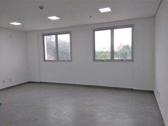 "34 m² por <span itemscope="""" itemtype=""http://schema.org/TradeAction""><span itemprop=""price"">R$ 1.700</span></span>/mês - <span itemprop=""addressLocality"">Moema</span> - São Paulo/SP"