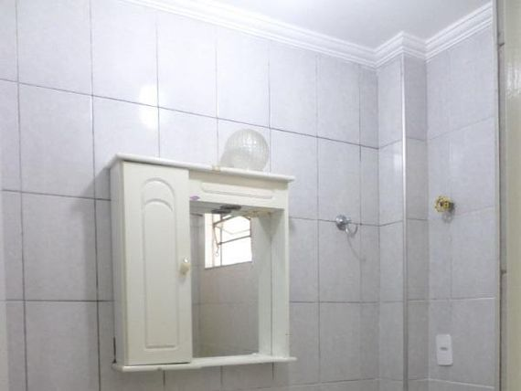 """Apartamento com 2 dormitórios para alugar, 45 m² por <span itemscope="""""""" itemtype=""""http://schema.org/TradeAction""""><span itemprop=""""price"""">R$ 750</span></span>/mês - <span itemprop=""""addressLocality"""">Jardim Guadalajara</span> - Sorocaba/SP"""