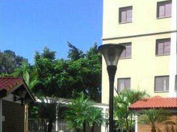 """Apartamento com 3 dormitórios à venda, 69 m² por <span itemscope="""""""" itemtype=""""http://schema.org/TradeAction""""><span itemprop=""""price"""">R$ 340.000</span></span>- <span itemprop=""""addressLocality"""">Rudge Ramos</span> - São Bernardo do Campo/SP"""