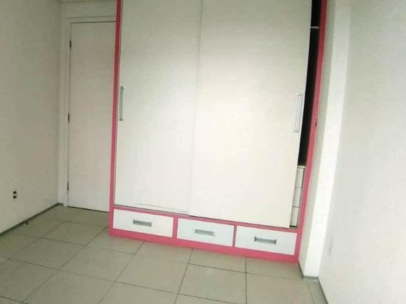 "Apartamento com 3 dormitórios à venda, 70 m² por <span itemscope="""" itemtype=""http://schema.org/TradeAction""><span itemprop=""price"">R$ 330.000</span></span>"