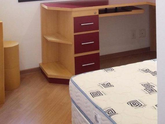 """Apartamento com 3 dormitórios para alugar, 75 m² por <span itemscope="""""""" itemtype=""""http://schema.org/TradeAction""""><span itemprop=""""price"""">R$ 1.550</span></span>/mês - <span itemprop=""""addressLocality"""">Vila Gilda</span> - Santo André/SP"""