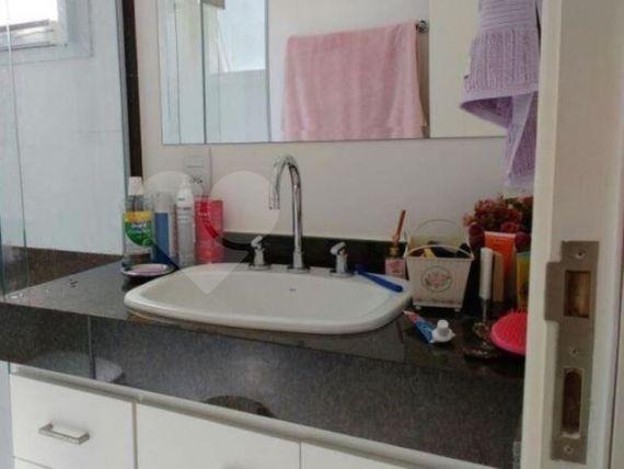 """Casa à Venda em <span itemprop=""""addressLocality"""">Chácara da Barra</span>"""