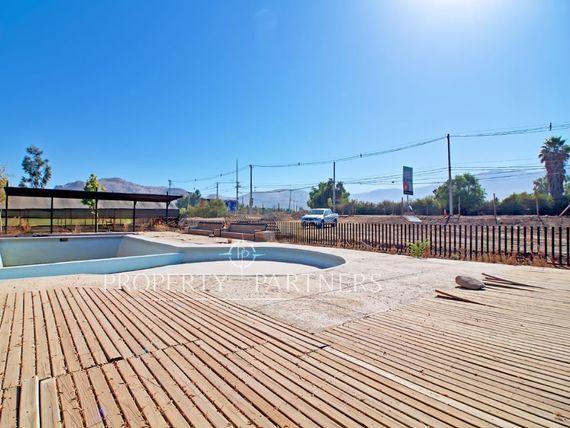 Chicureo Centro, casa con excelente ubicación para Proyecto Comercial