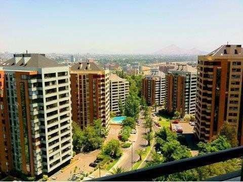 Impecable departamento Condominio Bosques de la Piramide