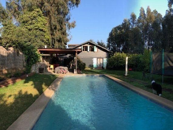 Preciosa casa en venta, 250 m2 construidos, Los Romeros, Concón