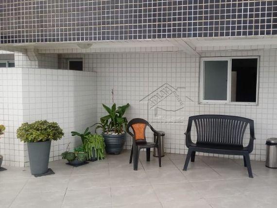 Apartamento 2 dormitórios na praia da Vila mirim