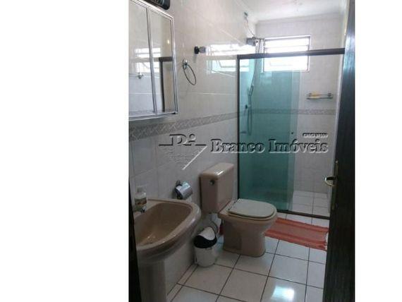 Apartamento 2 dormitorios no centrão do Caiçara, pronto para morar