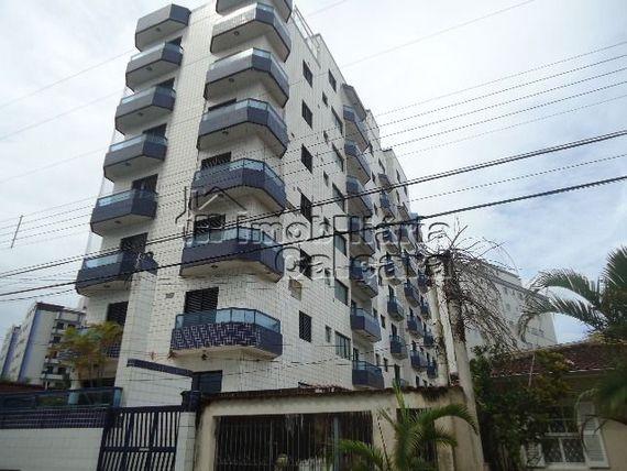 Apartamento 02 dormitórios, 400 metros da praia!!!