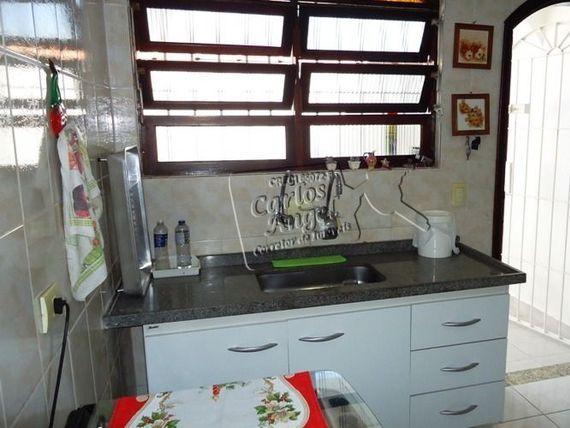 """Casa em <span itemprop=""""addressLocality"""">Praia Grande</span> bairro Vila Mar contendo 3 dormitórios sendo 1 suite"""