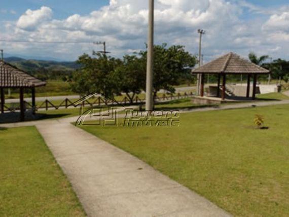 Terreno no Residencial Jaguary. Vale a pena visitar!