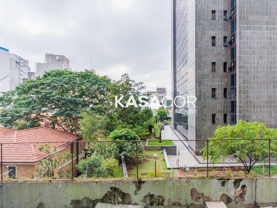 """Comercial com Copa na <span itemprop=""""streetAddress"""">R Dona Antônia De Queirós</span>, São Paulo, <span itemprop=""""addressLocality"""">Higienópolis</span>"""