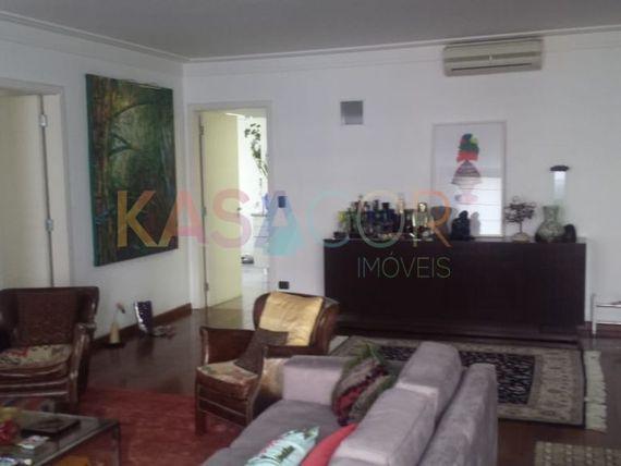"""Apartamento com 3 quartos e Dormitorio empregada na <span itemprop=""""streetAddress"""">R Bahia</span>, São Paulo, <span itemprop=""""addressLocality"""">Higienópolis</span>"""