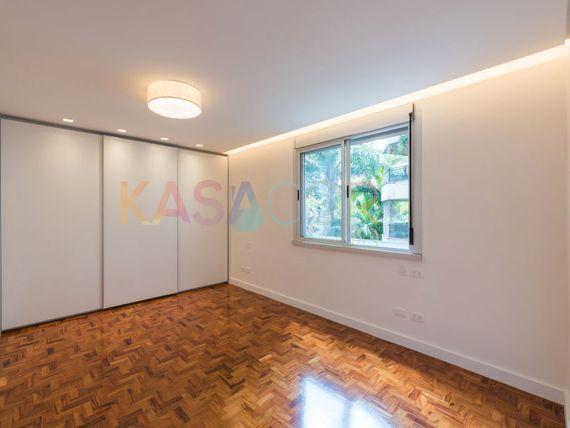 """Apartamento com 4 quartos e Wc empregada na <span itemprop=""""streetAddress"""">R Doutor Veiga Filho</span>, São Paulo, <span itemprop=""""addressLocality"""">Santa Cecília</span>"""