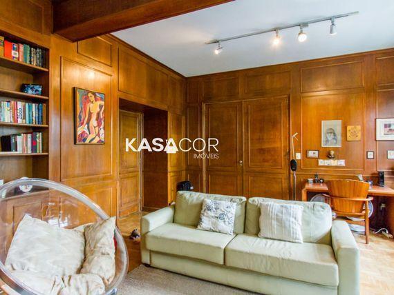 """Apartamento com 4 quartos e Numero andar na <span itemprop=""""streetAddress"""">R Sabará</span>, São Paulo, <span itemprop=""""addressLocality"""">Higienópolis</span>"""