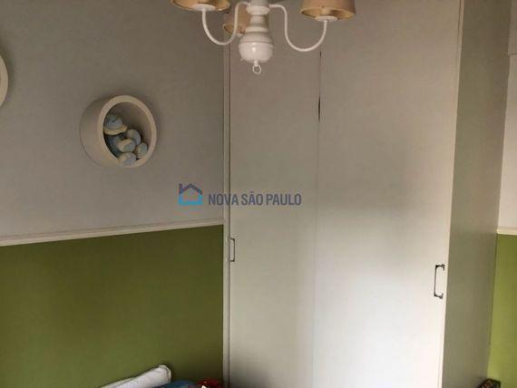 """Apartamento com 3 quartos e Armario cozinha na <span itemprop=""""streetAddress"""">Av Ramalho Ortigão</span>, São Paulo, <span itemprop=""""addressLocality"""">Vila Gumercindo</span>"""
