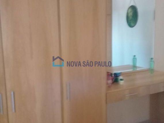 """Casa com 3 quartos e 2 Andar na <span itemprop=""""streetAddress"""">R Visconde De Pirajá</span>, São Paulo, <span itemprop=""""addressLocality"""">Vila Dom Pedro I</span>, por <span itemscope="""""""" itemtype=""""http://schema.org/TradeAction""""><span itemprop=""""price"""">R$ 899.000</span></span>"""