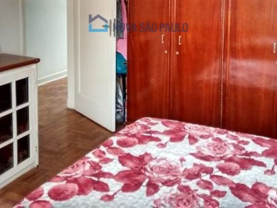 """Casa com 5 quartos e Salas na <span itemprop=""""streetAddress"""">R Pedro Magalhães</span>, São Paulo, <span itemprop=""""addressLocality"""">Vila Monumento</span>"""