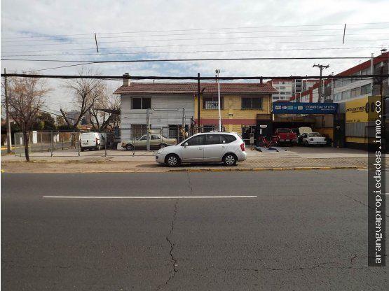 Terreno Comercial con Casa en Venta en Las Condes
