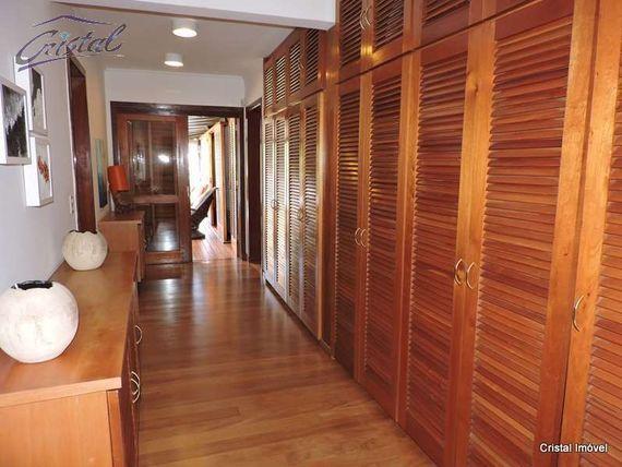 "Casa com 4 quartos e Quintal na <span itemprop=""streetAddress"">Rua Áries</span>, São Paulo, <span itemprop=""addressLocality"">Cotia</span>, por <span itemscope="""" itemtype=""http://schema.org/TradeAction""><span itemprop=""price"">R$ 3.850.000</span></span>"