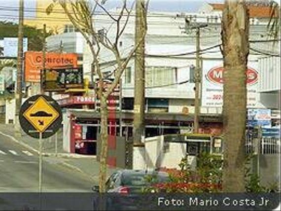 "Vendo terreno para prédios- <span itemprop=""addressLocality"">Capoeiras</span>"