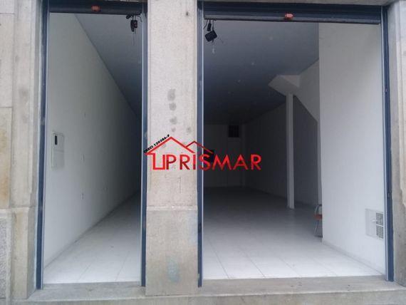 "Alugo loja comercial 300 metros quadrados bairro <span itemprop=""addressLocality"">Vila Nova</span>"