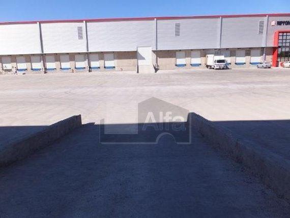 """Nave Industrial en Renta, <span itemprop=""""streetAddress"""">Carretera México - Querétaro</span>."""