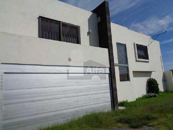 Casa en renta en Morillotla cerca de la UVM