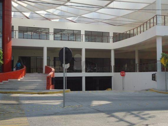 "Locales en renta en Plaza comercial Blvd. <span itemprop=""streetAddress"">Nicaragua</span> col. Arbide/ León (Guanajuato)"