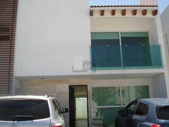 Residencia en Venta / Renta. Lomas de Angelópolis, Vista Marqués.