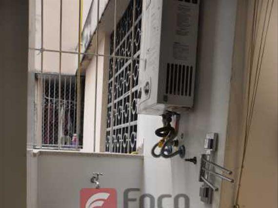 OPORTUNIDADE REFORMADO- SALA 03 QTS. COM DEPENDÊNCIA EM COPA